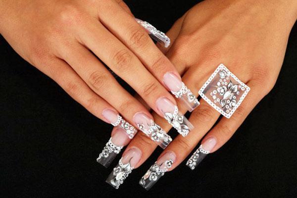 Свадебный дизайн ногтей можно сделать