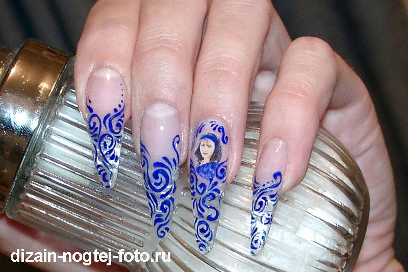 Фотодизайн ногтей с помощью наклеек