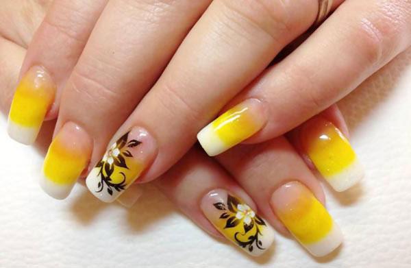 Желтый маникюр фото