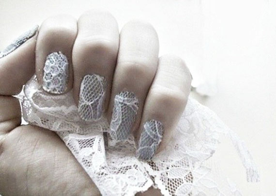 Свадебный маникюр с кружевами