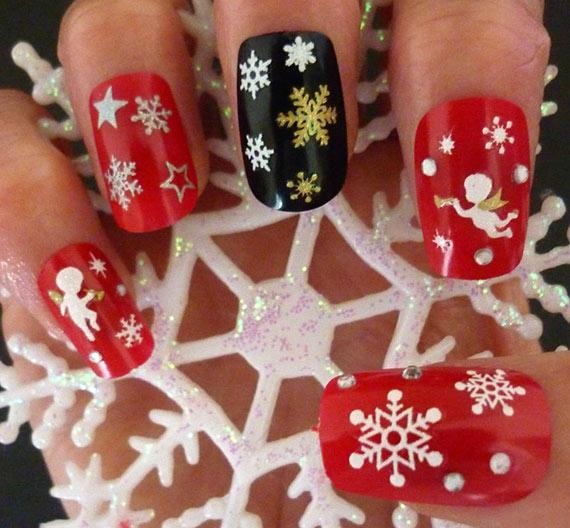 Новогодний дизайн ногтей со стразами и рисунком
