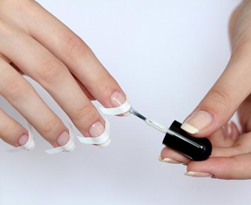 Техника выполнения французского маникюра на коротких ногтях
