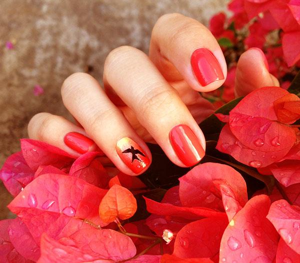 Как покрасить ногти красным лаком