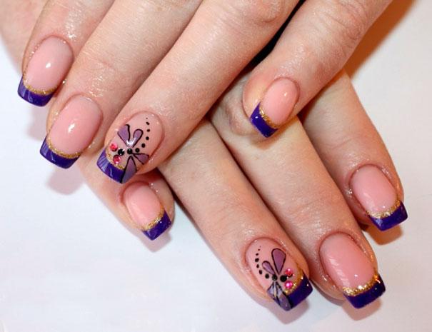 Французский маникюр с бабочками