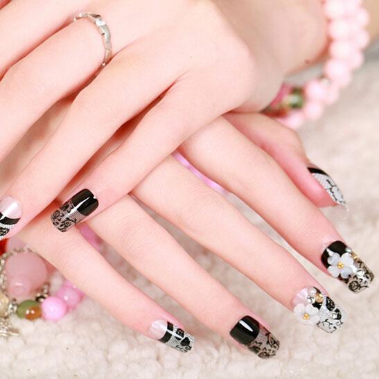 Черный френч на ногтях