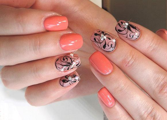 Двухцветный дизайн ногтей со стразами