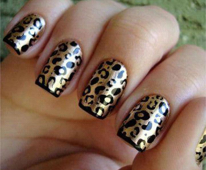 золотистый звериный принт на ногтях